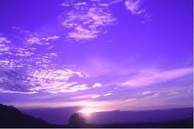 Cirros atardecer violeta