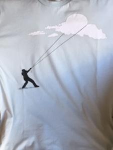 Cazador nubes camiseta
