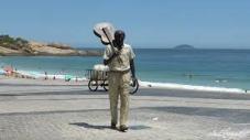 Tom escultura 2