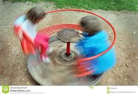 Niños girando