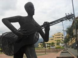 guitarrista-parque-