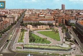 Pza Colón 1979 postal 2 - retocado