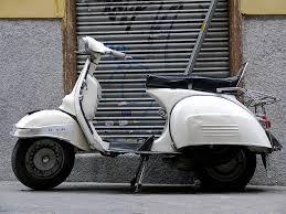 Vespa 160 blanca
