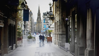 CAlle mayor con catedral
